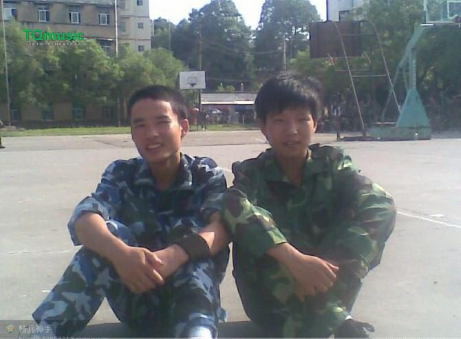 2012年10月怀化市工业学校军训 江斌 摄